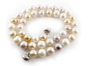 Como Blonde Pink cultured freshwater pearl necklace