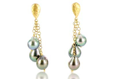 Talisman Baroque Tahitian pearl earrings in 18ct yellow gold