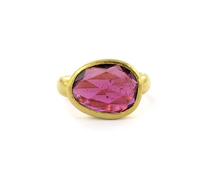 Pippa Small's Gold ring with pink tourmaline in 22K gold
